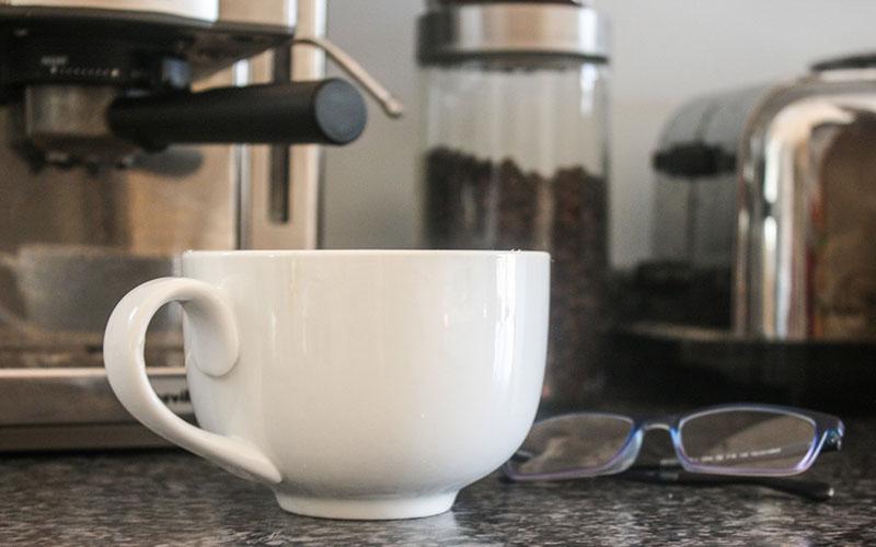 Cafetière expresso percolateur café moulu tasse