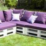 Canapé en palette pour le jardin